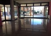 Negozio / Locale in affitto a Selvazzano Dentro, 9999 locali, zona Zona: Tencarola, prezzo € 900 | CambioCasa.it