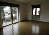 Appartamento in affitto a Thiene, 4 locali, zona Zona: Lampertico, prezzo € 450 | Cambio Casa.it