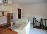Appartamento in affitto a Due Carrare, 4 locali, prezzo € 550   Cambio Casa.it