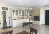 Appartamento in affitto a Arese, 4 locali, prezzo € 1.500   Cambio Casa.it