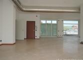 Negozio / Locale in affitto a Negrar, 9999 locali, prezzo € 1.000 | Cambio Casa.it