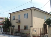Villa in vendita a Pescantina, 4 locali, zona Zona: Arcè, prezzo € 230.000 | CambioCasa.it