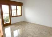 Appartamento in affitto a Bassano del Grappa, 4 locali, zona Località: Bassano del Grappa - Centro, prezzo € 460 | CambioCasa.it