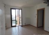 Appartamento in vendita a San Pietro in Cariano, 4 locali, zona Località: San Pietro in Cariano - Centro, prezzo € 140.000 | CambioCasa.it