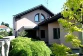 Villa in vendita a Concorezzo, 5 locali, prezzo € 790.000 | Cambiocasa.it