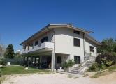 Appartamento in affitto a Montopoli di Sabina, 6 locali, prezzo € 750 | Cambio Casa.it