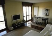 Appartamento in vendita a Parma, 6 locali, prezzo € 225.000 | Cambio Casa.it