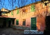 Rustico / Casale in vendita a Sarzana, 12 locali, prezzo € 320.000 | CambioCasa.it