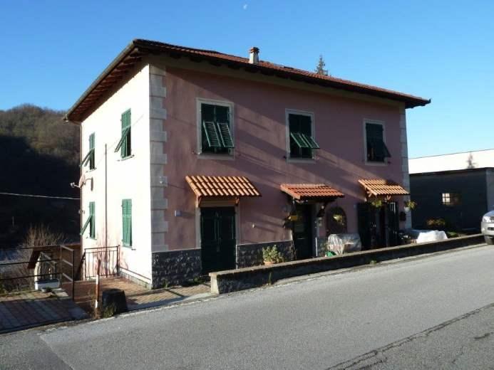Appartamento in vendita a Casella, 8 locali, prezzo € 79.875   CambioCasa.it