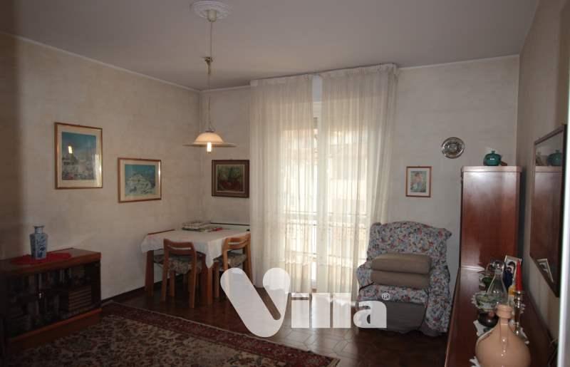 Appartamento in vendita a Oggiono, 4 locali, prezzo € 158.000 | CambioCasa.it