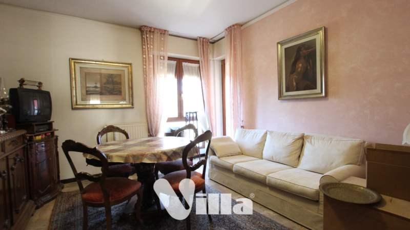 Appartamento in vendita a Oggiono, 3 locali, prezzo € 135.000 | CambioCasa.it