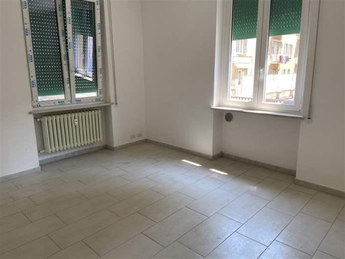 Appartamento in vendita a Parma, 3 locali, zona Località: Stazione, prezzo € 115.000   CambioCasa.it