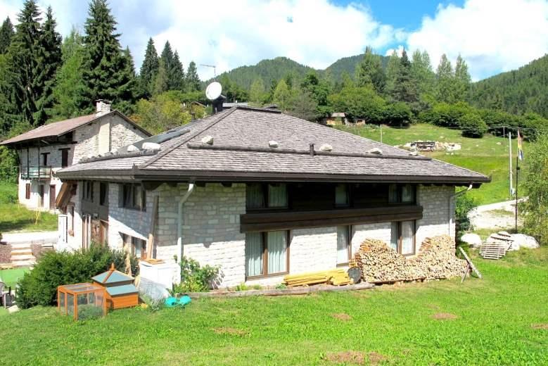 Immobile Turistico in vendita a Castello Tesino, 15 locali, zona Zona: Fradea, prezzo € 620.000   CambioCasa.it