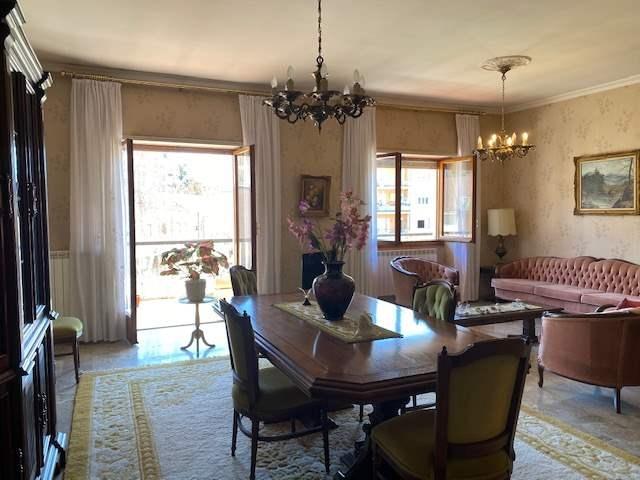 Appartamento in vendita a Viterbo, 6 locali, prezzo € 135.000 | CambioCasa.it