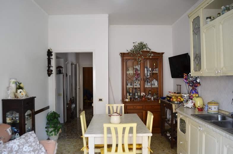 Appartamento in vendita a Nettuno, 3 locali, prezzo € 99.000   CambioCasa.it