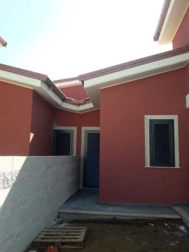 Villa in vendita a Pomezia, 4 locali, prezzo € 190.000 | CambioCasa.it