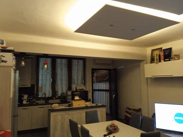 Appartamento in vendita a Pomezia, 2 locali, zona Zona: Torvaianica, prezzo € 115.000 | CambioCasa.it