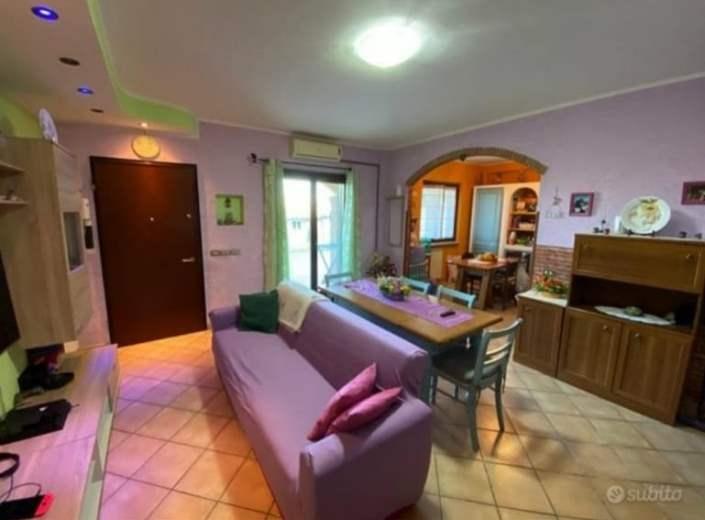Villa in vendita a Pomezia, 5 locali, zona Zona: Torvaianica, prezzo € 200.000 | CambioCasa.it