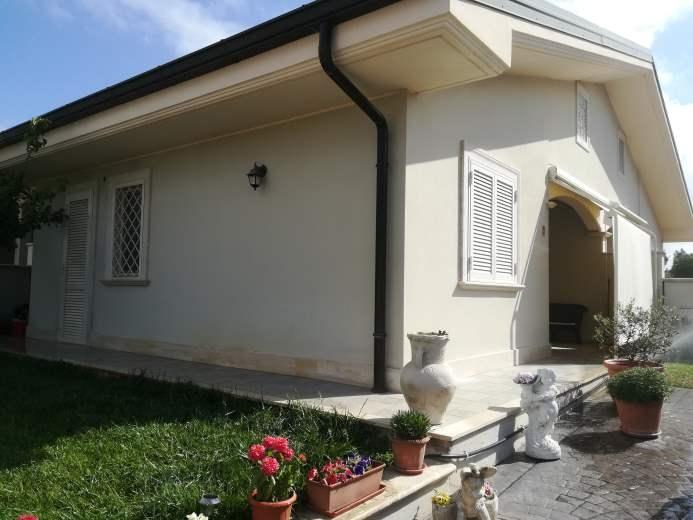Villa in vendita a Ardea, 4 locali, zona Zona: Tor San Lorenzo, prezzo € 127.000 | CambioCasa.it