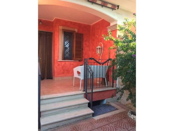 Villa in vendita a Pomezia, 5 locali, prezzo € 224.000 | CambioCasa.it