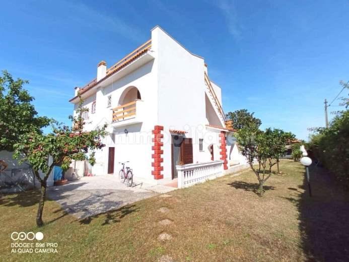 Villa in vendita a Ardea, 4 locali, zona Zona: Tor San Lorenzo, prezzo € 259.000 | CambioCasa.it