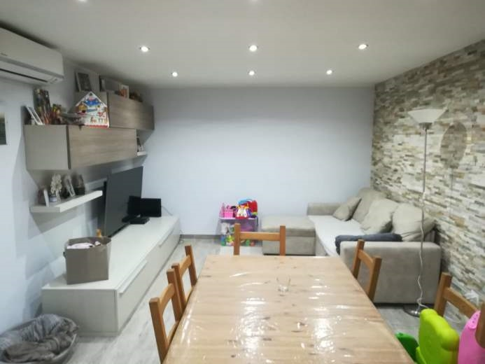 Villa in vendita a Ardea, 7 locali, prezzo € 215.000 | CambioCasa.it