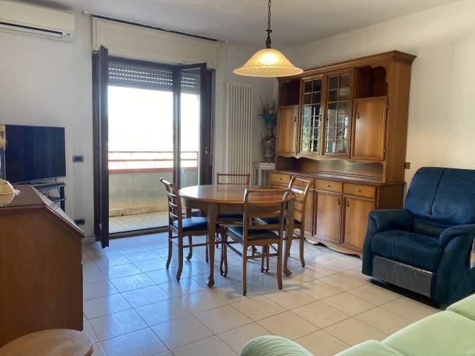Appartamento in vendita a Como, 2 locali, zona Zona: 9 . Monte Olimpino - Sagnino - Tavernola, prezzo € 105.000 | CambioCasa.it