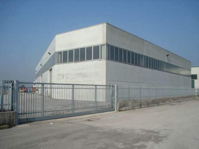 Capannone in vendita a Monselice, 9999 locali, prezzo € 520.000   CambioCasa.it